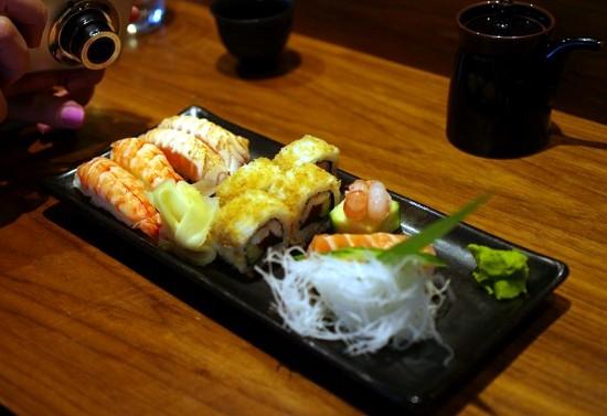 Sashimi, nigiri og maki-serveringer på Ebisu